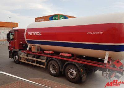 reklama_media_djakovo_oslikavanje_vozila_cisterne_petrol_1